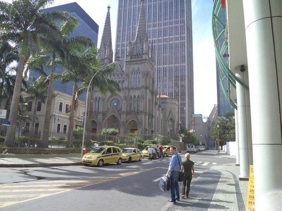 Hotel ibis budget Rio de Janeiro Centro: Em frente ao hotel