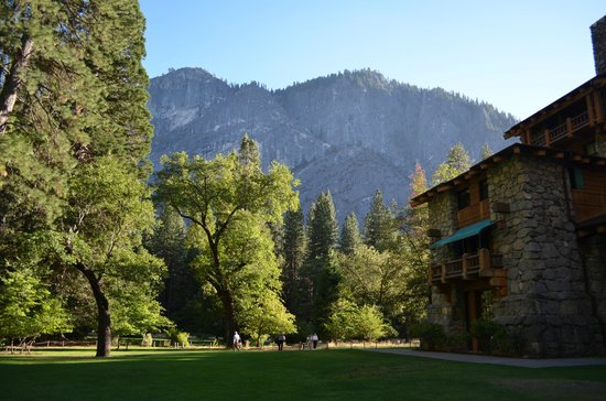 The Majestic Yosemite Hotel: Hotel & grounds