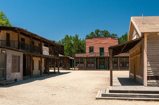 Santa Monica Mountains: Paramount Ranch in the Santa Monica Mtns