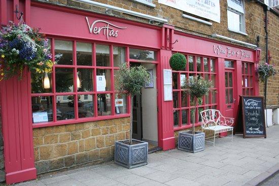 Veritas Wine Bar & Bistro: Veritas Front