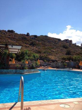 Bella Vista Apartments: Pool