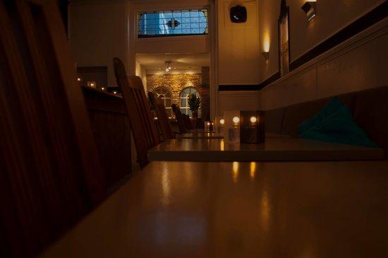 Restaurant Ampersand: getlstd_property_photo