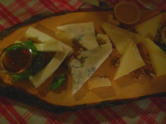 L'Osteria dello Scoiattolo: Tagliere formaggi