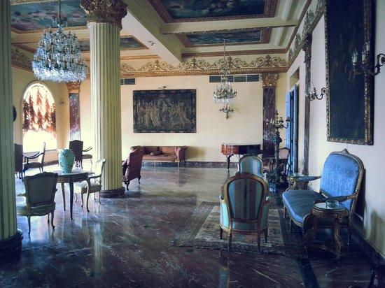 Paradise Inn Windsor Palace Hotel : lobby