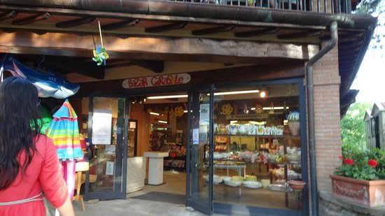 Norcenni Girasole Club : lojas