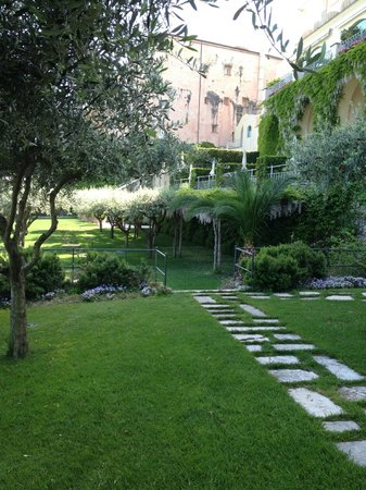 Belmond Hotel Caruso: Beautiful Gardens