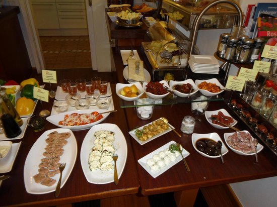 Hotel Rosenvilla : Cheese, herring & bacon wrapped dates stuffed with walnuts!