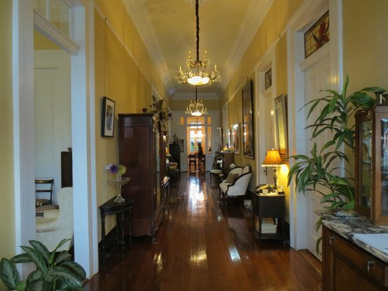 Ashton's Bed and Breakfast : Beautiful centre hall