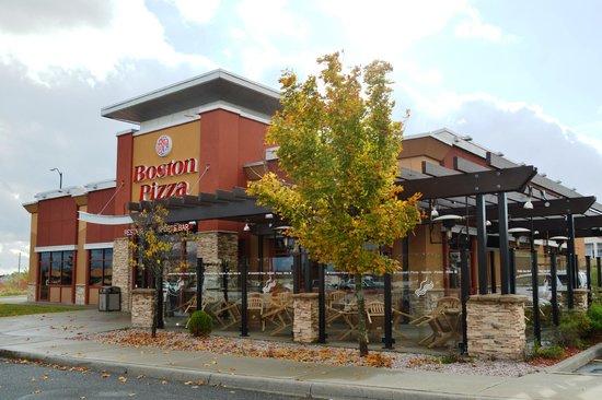 Boston Pizza: 120 Donna Drive, SUDBURY
