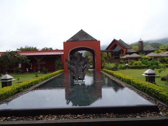 Rhumerie de Chamarel: enjoying the gardens and grounds