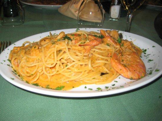 Albergo Ristorante Gian Maria: The shrimp and aubergine dish at Gian Maria. Now, where are those aubergines...