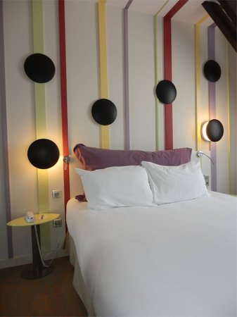 Ibis Styles Bayonne Gare Centre : Hotel bedroom