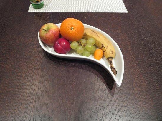 Suite Hotel Kahlenberg: Obstkorb
