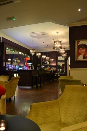 Chine Hotel: Bar