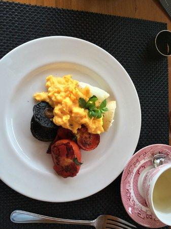 Kaimata Retreat: breakfast by Pedro