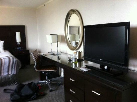 Washington Court Hotel on Capitol Hill: Room 1601