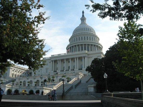 The Dupont Circle: Капитолий — местопребывание Конгресса США на Капитолийском холме в Вашингтоне