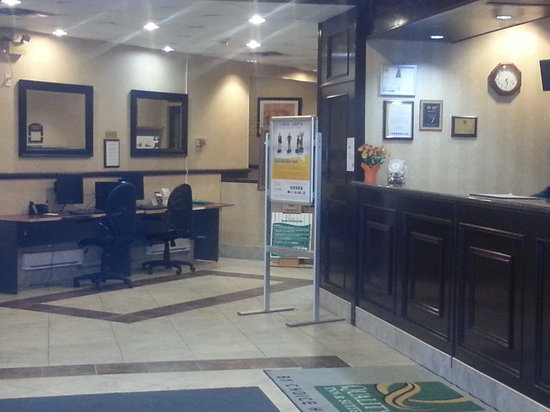 Brantford Hotel & Suites: Welcome to the Quality Inn and Suites