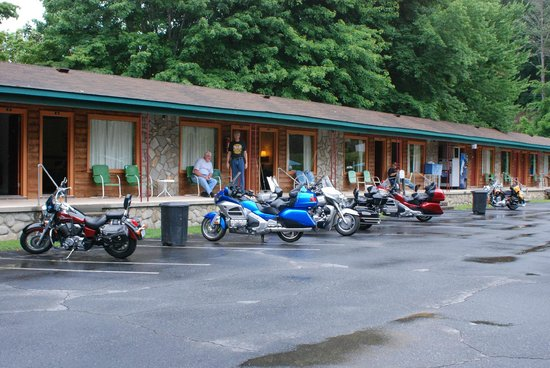 Two Rivers Lodge: Biker Friendly