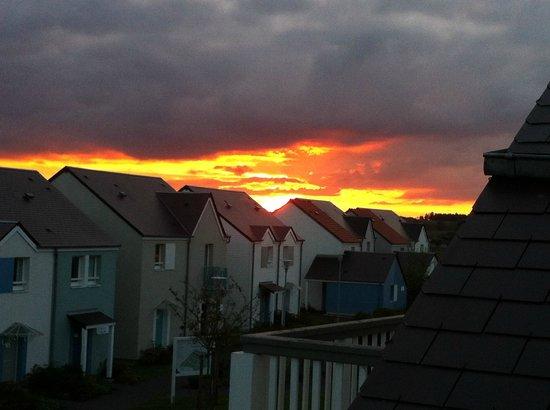 Pierre & Vacances Résidence Le Chant des Oiseaux : coucher de soleil depuis la terrasse