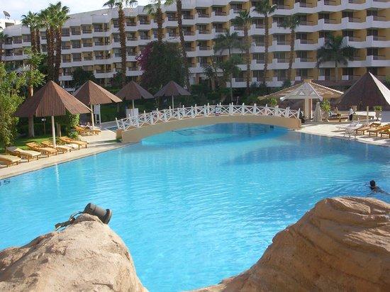 Pyramisa Isis Hotel & Suites Luxor: Pool