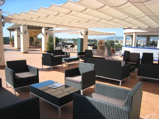 NH Cordoba: la terrasse - bar relax