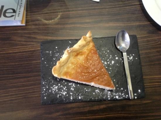 Rendez Vous: custard tart