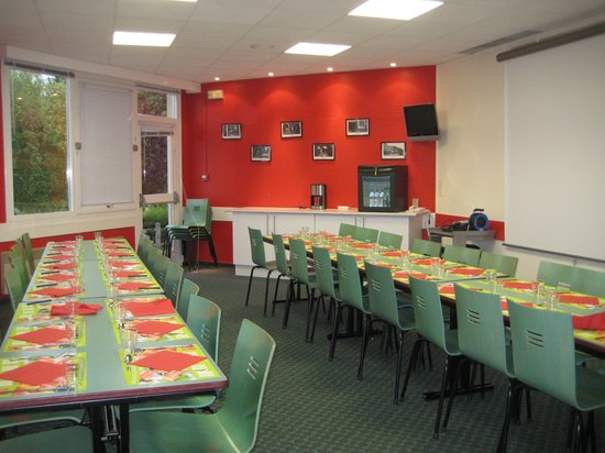 Ibis Chalons en Champagne : large dining room
