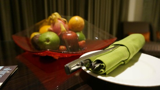 Sheraton Bali Kuta Resort: We are greeted with fruit basket on first day of stay