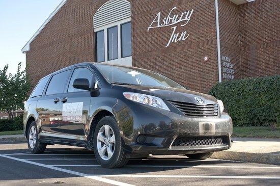 Asbury Inn & Suites: Airport shuttle