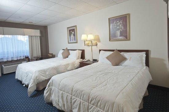 Asbury Inn & Suites : Standard Double Queen Room