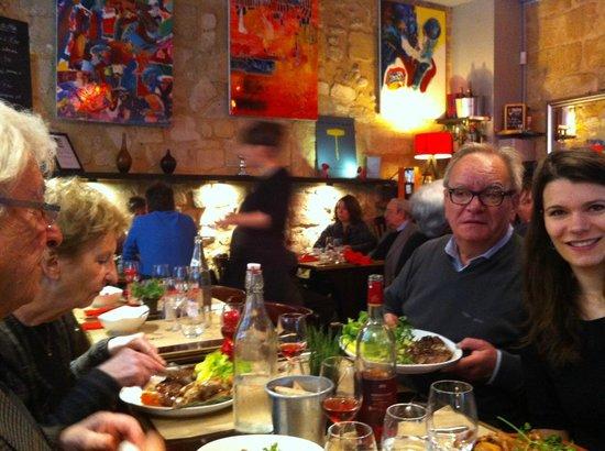Le Bouchon Bordelais : Dans la salle du restaurant.