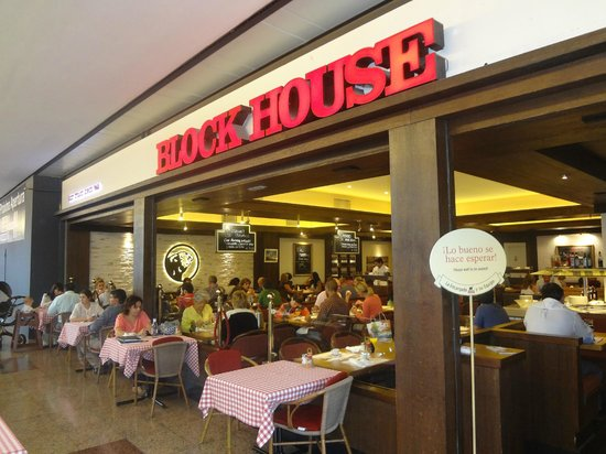 Block house american restaurant la canada shopping for Center block house