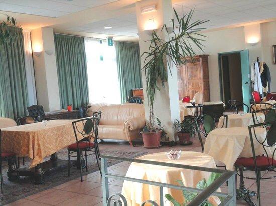 Hotel Tortorina : L'altro angolo della hall