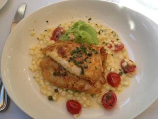 Hurley's Restaurant & Bar : Dover Sole with creamed white corn