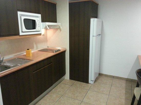 Apartamentos Gema Aguamarina Golf: Kitchen Area