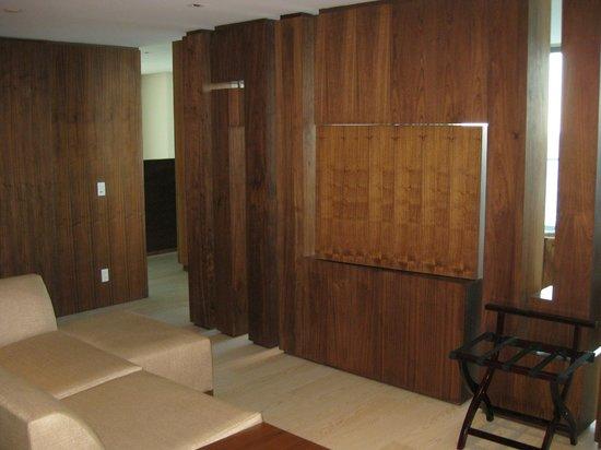 Secrets The Vine Cancun: entry sitting area
