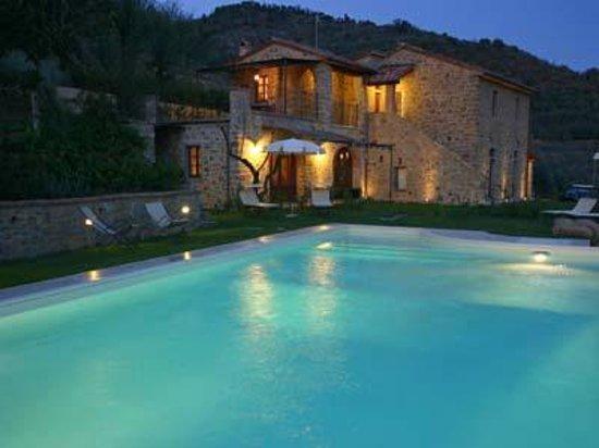 Villa madonna del bagno hotel castiglion fiorentino for Arredo bagno arezzo e provincia