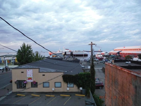 Port Angeles Downtown Hotel : View from hotel window