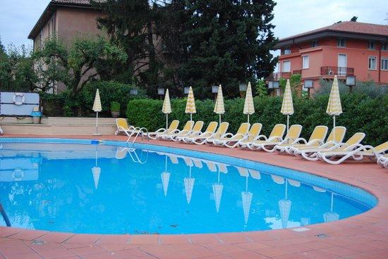 Hotel Villa Mulino: The inviting pool