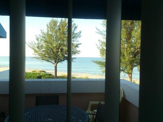 Sand Cay Condominiums Beach Resort: ocean front / balcony