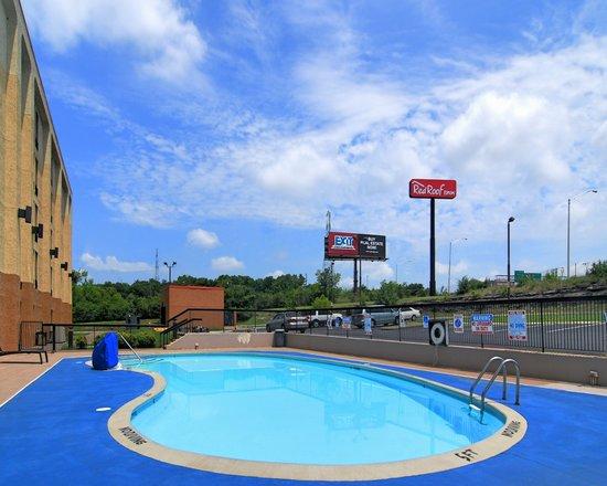 Red Roof Inn Nashville - Music City : Pool
