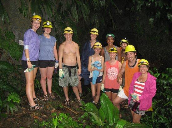 La Loma Jungle Lodge and Chocolate Farm : The Pitzer group at La Nivida Bat Cave