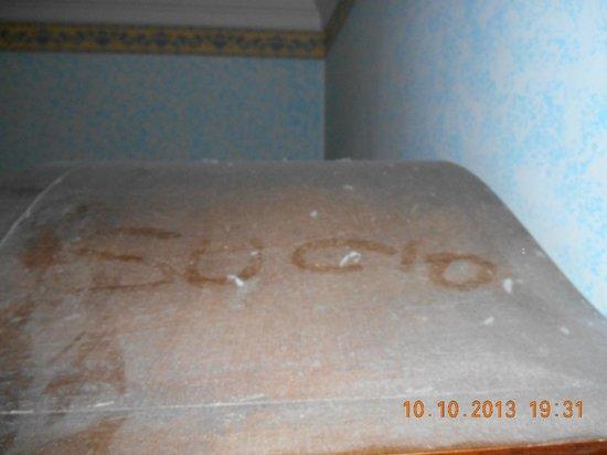 Hotel Goldoni: sujo