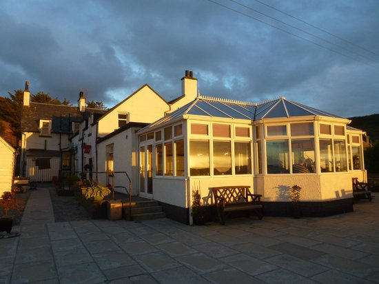 Argyll Hotel Beachside Restaurant : The consevatory restaurant overlooking the beach and ocean