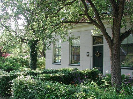 Open Haard Tuin : Appartement met openhaard en tuin foto van huize te lieveren