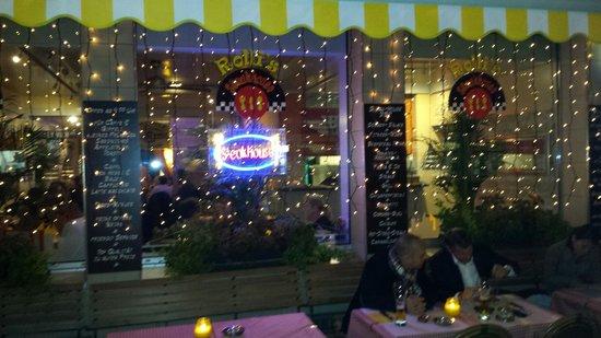 Rolli's Steakhouse Oerlikon: Von aussen