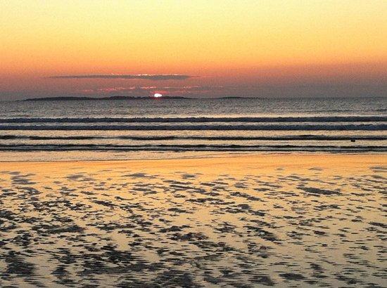 Sandpiper Beachfront Motel: vue lever soleil de la chambre