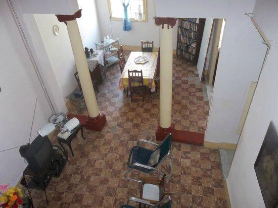Hamel Hostel: Living/dining room