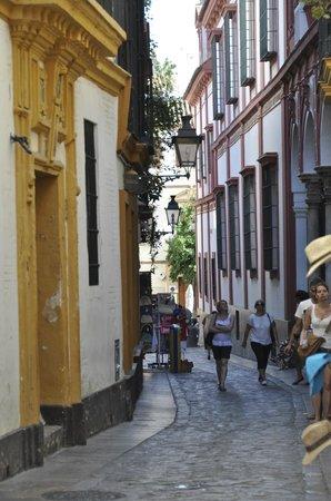 Hotel Alcantara: la rue qui mène à l'hôtel